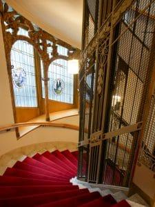 Vacker trappa hos Hotel Diplomat.